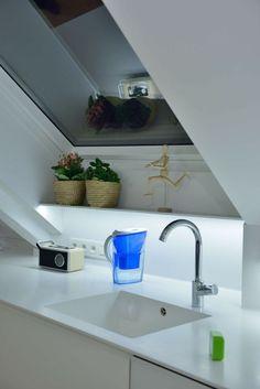 Dachgeschosswohnung Kücheneinrichtung Mansarde Dachschräge Deko Ideen Küche9