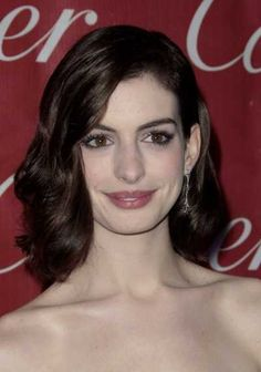 Top 10 Shoulder Length Celebrity Hairstyles of 2009