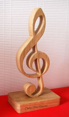 Gift for Mama Wood Carving Designs, Wood Carving Patterns, Wood Carving Art, Wooden Art, Wooden Crafts, Art Sculpture En Bois, Intarsia Wood Patterns, Wood Carving For Beginners, Scroll Saw Patterns Free