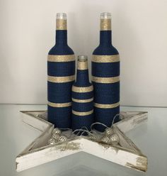 Best Repurposed DIY Wine Bottle Craft Ideas and Designs DIY Projects A lot of people are now considering repurposing old appliances to create their own DIY winemaking equipment. While this is certainly a good idea, it's. Glass Bottle Crafts, Wine Bottle Art, Painted Wine Bottles, Diy Bottle, Yarn Bottles, Bottles And Jars, Liquor Bottles, Twine Wrapped Bottles, Wine Craft