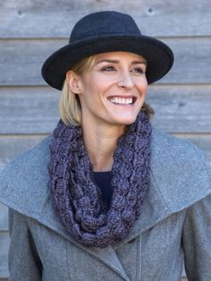 Soft and glamorous cowl with rich texture. Shown in Bernat Alpaca. Free Crochet Pattern (Bernat requires making an account. Snood Knitting Pattern, Knitting Patterns Free, Crochet Patterns, Free Pattern, Free Knitting, Cowl Patterns, Crochet Ideas, Knitting Ideas, Knitting Needles