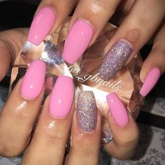 Pink Coffin set with glitter accent nails. #pinknails #coffinnails #glitternails…