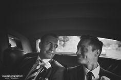 French wedding photographer same sex ; mariage gay homme au domaine saint clair le donjon à Etretat hotel luxe privatisé et à la mairie de Fécamp par Emmanuelle Auzou photographe mariage Normandie Dieppe Caen Deauville Rouen Paris France entière : mariage franco-anglais