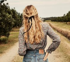 p/swan-top-white-petit-jardin-print - The world's most private search engine Box Braids Hairstyles, Straight Hairstyles, Hairstyles Videos, Fall Hairstyles, 1950s Hairstyles, Hairstyle Men, Funky Hairstyles, Formal Hairstyles, Braids For Long Hair