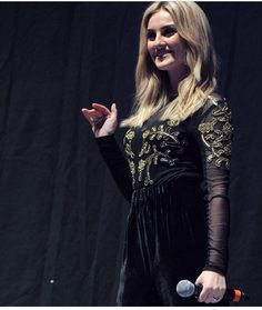 Perrie today (: