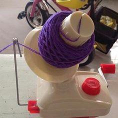 Handheld Yarn Winder
