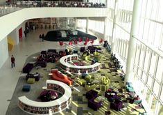 El futuro de las bibliotecas también pasa por una tranformación y rediseño de espacios Poker Table, Table Settings, Stairs, Home Decor, Conference Room, Future Tense, Libraries, Studios, Stairway