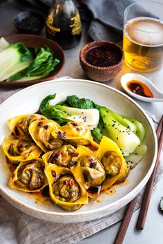 Steamed Vegetable and Ginger Wontons Replace the wonton wrappers with dumpling wrappers to make this a delicious vegan meal. SERVES 4 Recipe by Olivia Galletly Photography by Olivia Galletly Vegetarian Wonton, Vegetarian Recipes, Cooking Recipes, Healthy Recipes, Wan Tan, Wonton Recipes, Salads, Appetizers, Food Porn
