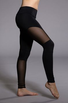 Rev up your workout with the Motopant. Chic mesh cutouts will flatter your legs in just the right places. Let's ride!