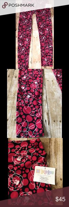 NWT Lularoe Disney Minnie Mouse leggings OS NWT Lularoe Disney Minnie Mouse leggings- RARE Super soft and cozy I received as a gift, and they weren't quite my style.  One size  From a clean smoke free home. LuLaRoe Pants Leggings
