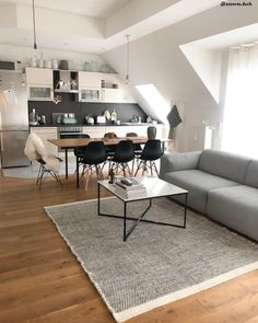 Handgewebter Wollteppich Asko in Schwarz-Creme Modern vibes! Every detail is just right in this open living room. Carpet Dining Room, Bed In Living Room, Home Living, Comfortable Sofa, Dining Table Chairs, Black Decor, Chair Design, Living Room Designs, Bedroom Decor