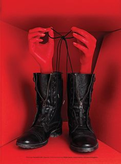 """Display: Shoes that tie themselves. """"Lacey - Get the Boot"""" #Design"""