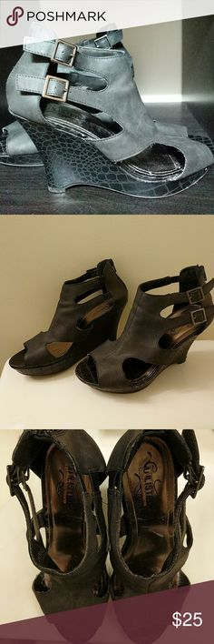 Unlisted wedge sandals Gently worn unlisted by Kenneth Cole black wedge sandals. Super comfy! Unlisted by Kenneth Cole Shoes Wedges