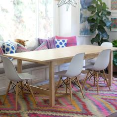 I'm in love with Eames molded plastic chairs. I want them in my dining room, bedroom, office…everywhere! (via Style Me Pretty)