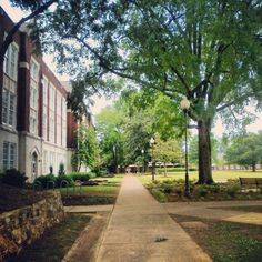 The Quad - Jacksonville State University Friendliest campus in the south!