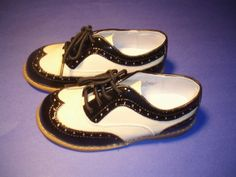 matching shoes for the knicker set!!!  Toddler & Boys Wing Tip Patent Shoes - Black & Ivory at DapperLads