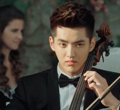 """Kris in """"Somewhere Only We Know"""" 