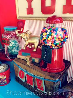 Reggie and Bella's Vintage Circus First Birthday | CatchMyParty.com