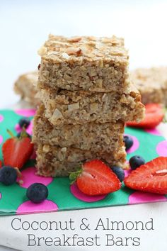 Delicious gluten and dairy free Coconut & Almond Breakfast Bars. The perfect recipe to batch make at the weekend for a grab-and-go breakfast during the week! Grab And Go Breakfast, Breakfast Bars, Healthy Eating Recipes, Baby Food Recipes, Cooking Recipes, Dairy Free Breakfasts, Fussy Eaters, Batch Cooking, Perfect Food