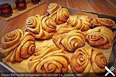 Franzbrötchen at the baker's - Kuchen - Gateau Healthy Cookie Recipes, Healthy Cookies, Gluten Free Cookies, Cookies Vegan, Cake Recipes, No Bake Treats, No Bake Desserts, German Baking, Popular Recipes
