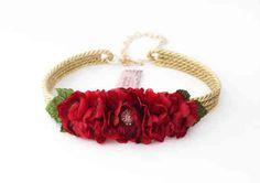 cinturones de flores - Buscar con Google Flower Belt, Bridal Sash Belt, Melting Crayons, Fabric Jewelry, Flower Making, Hair Band, Fascinator, Hand Embroidery, Diy And Crafts