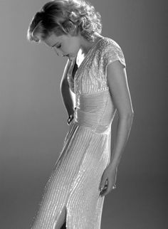 White party dress-- so very old Hollywood! Cate Blanchett, Old Hollywood Glamour, Hollywood Theme, Hollywood Icons, Celebs, Celebrities, Celebrity Photos, Celebrity Photography, Beautiful People