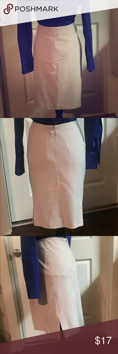 💗Khaki Dress Skirt💕 Khaki dress skirt. Worthington Stretch. Fully lined. Worn once. Excellent condition. 62% Polyester/33% Rayon/5% Spandex. Lining 100% Polyester. Skirts