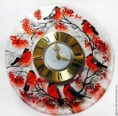 """Купить Часы """"Снегири"""". Стекло. Фьюзинг. - ярко-красный, часы, стекло, Фьюзинг, настенные часы"""