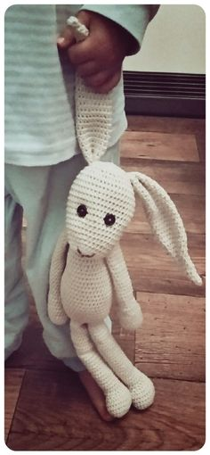 Crochet donor bunny - crochet decoration + amigurumi Now crochet, because the XL-Schenkerhase really wants to be crocheted by you. It becomes 50 cm tall. Crochet Easter, Bunny Crochet, Crochet Diy, Crochet Amigurumi, Crochet For Kids, Crochet Animals, Baby Knitting Patterns, Crochet Patterns, Crochet Decoration