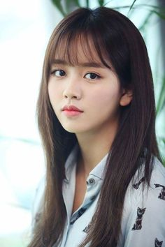 New hair styles korean bangs ideas Wispy Bangs, Long Hair With Bangs, Haircuts With Bangs, Hair Bangs, Bangs Updo, Afro Hair, Asian Bangs, Asian Hair, Korean Long Hair