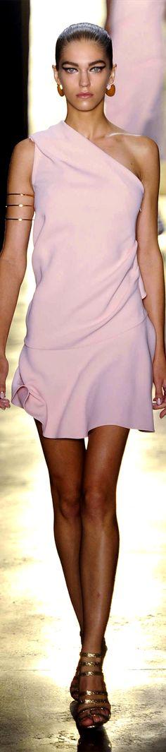 Cushnie et Ochs RTW Spring 2015 | pale pink one-shoulder silk dress