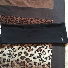 """I just discovered this while shopping on Poshmark: Stylish """"fanny pack"""" waistband. Check it out! Price: $14 Size: M/L, listed by torismart"""