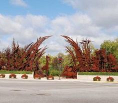 Top 10 Things to See at the St. Louis Zoo: Animals Always Sculpture