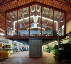 Gallery - Glass Gallery at the Kadar Media Lab Building / Geotectura Studio - 1