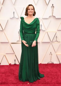 Sigourney Weaver All Of The Looks At The Oscars Red Carpet Christian Siriano, Vestidos Christian Dior, Chanel Vestidos, Vestidos Oscar, Dior Haute Couture, Armani Prive, Jason Wu, Vera Wang, Oscar Dresses