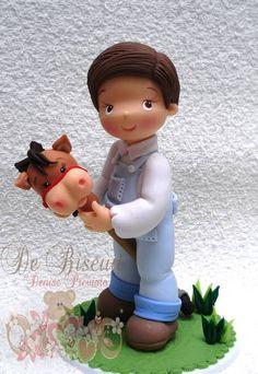 Topo de bolo menino com cavalo de pau | De Biscuit | 32A01A - Elo7