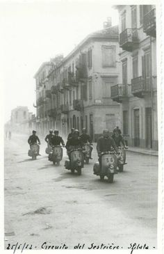 Vespa fenderlights racing, Italy, 1952