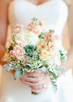Buquês de noiva naturais, românticos e com um toque rústico Image: 11