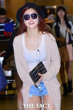 Girl's day Sojin Airport Fashion  걸스데이 소진 공항패션        Name: Sojin Park   D.O.B: 21/5/1986   Height: 166cm   Weight: 49kg                  ...