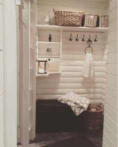 Saunan eteisen tuunausta - Lifestyle-blogi - Willa Lemmelle Cottage Design, Cottage Style, Upcycled Home Decor, Diy Home Decor, Log Home Interiors, Sauna Design, Spa Rooms, Sauna Room, Bathroom Organisation