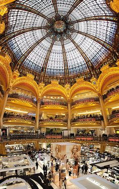 France - Paris: The Grand Galeries Lafayette This is one of my favorite places to shop! Paris Travel, France Travel, Tour Eiffel, Places To Travel, Places To See, Saint Michael, Lafayette Paris, Belle France, Rouen