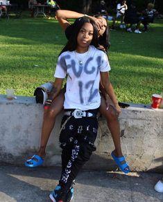 Cute Lesbian Couples, Lesbian Love, Couple Goals Relationships, Relationship Goals, Black Lesbians, Girlfriend Goals, Best Friend Outfits, Lgbt Love, Bae Goals