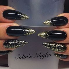 Incredible Black Nail Art Designs for Women and Girls Black Stiletto Nails, Black Acrylic Nails, Black Nails With Gold, Black Stilettos, Pink Nails, My Nails, Girls Nails, Super Nails, Nagel Gel
