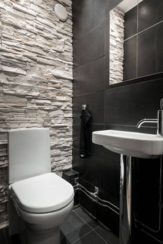 Big Design Ideas For Small Bathrooms Small Toilet Room, Small Bathroom With Shower, Big Bathrooms, Downstairs Bathroom, Bathroom Design Small, Bathroom Interior Design, Modern Vintage Bathroom, Toilette Design, Bad Styling