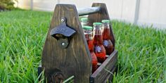 Make your own fun and memories this summer with a set of DIY yard dice to use for dozens of outdoor games for family and kids! Diy Projects Plans, Diy Pallet Projects, Woodworking Projects, Craft Projects, Pallet Ideas, Yard Dice, Wooden Tool Boxes, Cornhole Set, Backyard For Kids