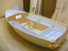Small Boats, Boat Plans, Wooden Boats, Homemade, Sailing Yachts, Product Design Poster, Wood Boats, Home Made, Diy Crafts
