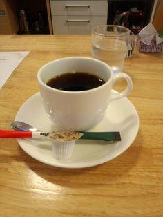 食後はブレンドコーヒーいただいています。