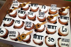 Piano Recital Cupcakes! cupcakes by dusty