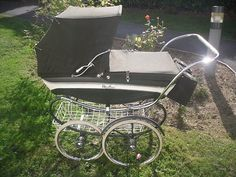 Vintage 1967 SilverCross Coach-built Pram |. All babies should be pushed around in this classic pram.