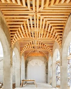 Exposed Ceilings, Wood Ceilings, Tray Ceilings, Historical Architecture, Architecture Details, Interior Architecture, Ceiling Detail, Ceiling Design, Architectural Features